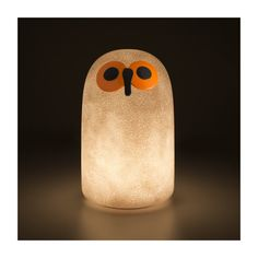 Linnut (the Finnish word for birds) is a collection of bird lights developed in collaboration by Magis and Iittala. Designed by Oiva Toikka, who made Finnish Words, Usb, Led Technology, Led Lampe, Diffused Light, Glass Birds, Light Table, Light Up