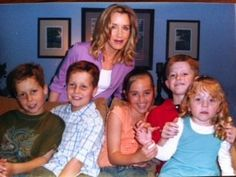Desperate Housewives: Lynette and the kids  Porter, Preston, Kayla, Parker, and Penny