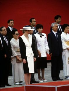 1986-05-10 Diana and Charles attend a Welcoming Ceremony at the Geihinkan Akasaka Palace, the State Guest House, hosted by Prime Minister Yasuhiro Nakasone and his wife Tsutako