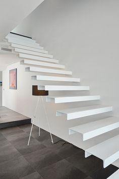 Escalera / Stairs