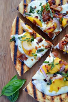 fast grilled flat bread pizza recipe with fresh peaches, crisp bacon ...