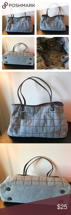 "Liz Claiborne Gray Plaid Handbag 👜 Liz Claiborne Gray Plaid Handbag 👜 🔹Wool blend w/ leather trim 🔹Width = 19"" 🔹Height = 11"" 🔹Strap length = 21"" 🔹Strap drop = 10"" 🔹Magnet Closure 🔹3 inside pockets (1 zippered) 🔹Couple cracks in straps. See pics for details.  ✅Offers Welcome w/Offer Button 🚫Trade 🚫PP 💰20%OffBundle 📦Ships1Day. Liz Claiborne Bags Shoulder Bags"