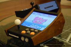 Mini arcade bartop, with retrolook. Autor: Hidecade