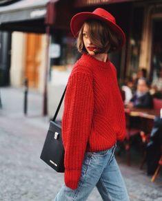 21 Looks Que Prueban Que Un Sweater Rojo Será Un Indispensable En Tu Closet Este Otoño Invierno | Cut & Paste – Blog de Moda