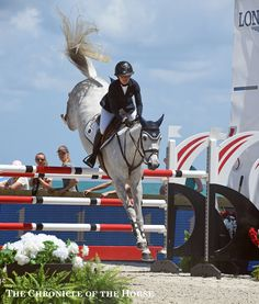 Amanda Derbyshire, a U.S.-based English rider, claimed the blue in the CSI2* Final aboard Lady Maria BH with a tail flying high.