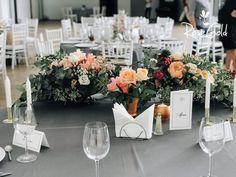 Aranjamente Florale pentru Nunti, buchete, decorațiuni. Calitate și creativitate pentru nunți și botezuri minunate! Suna-ma chiar acum! Floral Wedding, Wedding Flowers, Bucharest, Table Settings, Table Decorations, Ideas, Design, Home Decor, Decoration Home