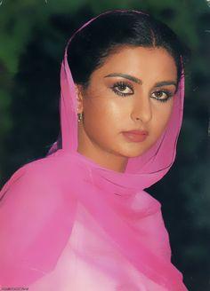 Bollywood Makeup, Bollywood Photos, Indian Bollywood, Bollywood Stars, Beautiful Girl Indian, Most Beautiful Indian Actress, Indian Celebrities, Bollywood Celebrities, Beautiful Bollywood Actress
