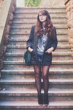 """Look """"Back to School"""" par Dollyjessy - Fashion blog. Pull H&M homme, Boots Esprit, Sac Comptoir des cotonniers, veste mango, lunettes Paul and Joe."""