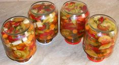 Muraturi asortate taiate Jar, Food, Canning, Salads, Eten, Jars, Meals, Drinkware, Diet