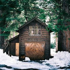 Rustic cabin hidden away in the woods of Lake Tahoe. Small Cottages, Cabins And Cottages, Log Cabins, Cabin Homes, Log Homes, Ideas De Cabina, National Geographic Photo Contest, This Old House, Cabin In The Woods