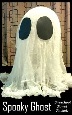 Make a Giant Spooky #Ghost for #Halloween !   #HalloweenCrafts