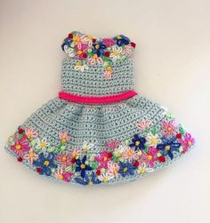 Hand Knitted Dress Models for Girls 2018 28 - Crochet Clothing and Accessories Crochet Doll Dress, Crochet Doll Clothes, Doll Clothes Patterns, Knit Crochet, Knit Baby Dress, Knit Cowl, Crochet Granny, Hand Crochet, Free Crochet