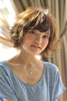 Japanese-short-hair-with-bangs