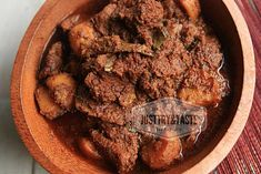 Resep Rendang 'Nendang' Made by Endang ^_^ - Indonesian Beef Rendang Indonesian Food, Beef Recipes, Food And Drink, Easy Meals, Pork, Menu, Asian, Dishes, Cooking