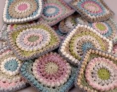 granny squares - http://www.diyhomeproject.net/granny-squares