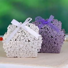 Send out your favors with unique favor boxes,vintage favor boxes and baby favor boxes and you can have the best one-butterfly & flower laser cut paper wedding favor candy box/boxes (more colors) from ywlanyang. Candy Wedding Favors, Baby Favors, Wedding Favor Bags, Laser Cut Box, Laser Cut Paper, Laser Cutting, Butterfly Wedding, Butterfly Flowers, Wedding Paper