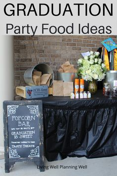 Looking for super easy party food ideas for high school graduation? These are the best graduation party food ideas on a budget. Graduation Party Desserts, Outdoor Graduation Parties, Graduation Party Planning, Graduation Party Themes, Party Food On A Budget, Theme Ideas, Party Ideas, Feeding A Crowd, Super Easy