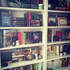 Figured I would post something not cat related. Like a #shelfie #thebookshelfie #bookstagram #bookshelf