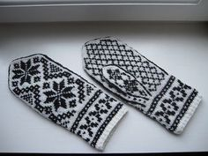 Rigmor's Selbu mittens Two Color Knitting Pattern by Rigmor Duun Grande on Ravelry Knitted Mittens Pattern, Knit Mittens, Knitted Gloves, Knitting Charts, Knitting Patterns, Big Knit Blanket, Jumbo Yarn, Norwegian Knitting, Wrist Warmers
