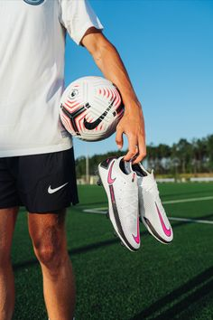 Play beautiful, play free in the all-new Nike Phantom GT. Built with Nike DNA and data-driven design throughout, the #PhantomGT Elite's strategic texture gives you the touch you need to attack with precision and agility. — Available now at SOCCER.COM. Tap to shop 📲. — #playwithskill #soccerdotcom #nikefootball #nike #soccer #phantomgt #phantom #gt #nikesoccer #soccer #soccergear #soccercleats #whitecleats #pinkboots #pinkcleats #whitecleats