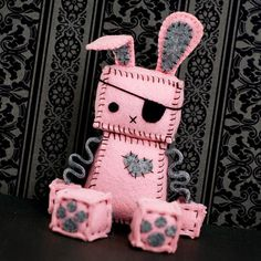 Pink Punk Robot Bunny with an Eye Patch Bunny Ears by GinnyPenny Pirate Eye Patches, Crazy Toys, Felt Finger Puppets, Homemade Dolls, Button Eyes, Angel Crafts, Felt Decorations, Recycled Fabric, Paw Prints