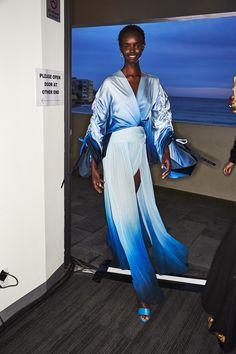 Sonny Vandevelde - Jonathan Simkhai Resort 2020 Fashion Show Sydney Backstage Sydney Fashion Week, Fashion Show, Women's Fashion, Jonathan Simkhai, Backstage, Ss, Saree, How To Wear, Photography