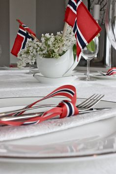 Norway Constitution Day, Hooray, 17 May! 17. Mai, Norway National Day, Sons Of Norway, Cooking Contest, Constitution Day, Table Setting Inspiration, Scandinavian Food, Fourth Of July, Table Decorations