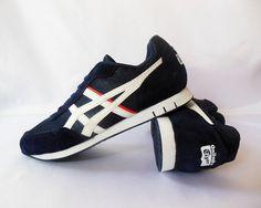 Detail Sepatu Running: Merek : Asics Color: Grey Code : Asics Onitsuka Tiger Grey