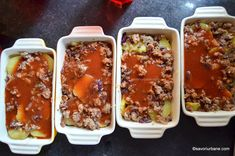 Musaca de cartofi cu carne tocata si sos de rosii reteta simpla | Savori Urbane Chili, Soup, Chile, Soups, Chilis