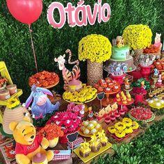Festa Ursinho Pooh. Pic via @stylesalvador #encontrandoideias #blogencontrandoideias #fabiolateles