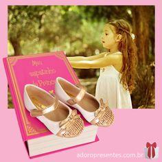 Confira na Adoro Presentes os adoráveis sapatinhos da Amoreco. Um luxo e delicadeza para cada pezinho da sua princesinha.  #Moda #Amoreco #AdoroPresentes #dourada #sapatinho #caixa #fashion crianças #infantil #Sapatilha