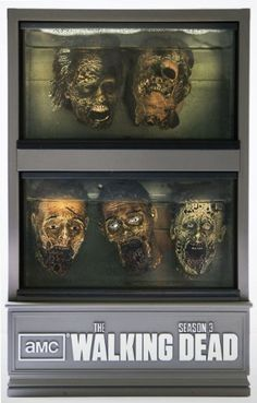 The Walking Dead - Season 3 Zombie Heads Edition   http://www.amazon.fr/dp/B00D455WY2/ref=cm_sw_r_pi_dp_yoR0rb1M6SSGW Need this, too!