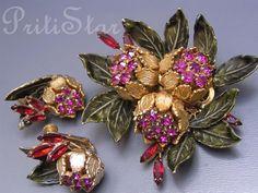 Vintage Vendome Chrysanthemum Flower Enamel Rhinestone Gold Plate Brooch Earrings.