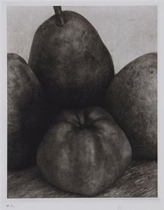 Edward Steichen - Three Pears and an Apple, France Still Life Photography, Vintage Photography, Fine Art Photography, Homemade Mouthwash, Edward Steichen, Global Art, Art Market, Black And White Photography, Pears