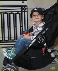 Orlando Bloom & Flynn: Babysitter Stop Before U.: Photo Orlando Bloom pushes his adorable son Flynn in a stroller while heading to a babysitter's home on Monday (September in New York City. Us Open Final, Orlando Bloom, Before Us, Finals, Baby Car Seats, Baby Strollers, Photo Galleries, Most Beautiful, Feminine