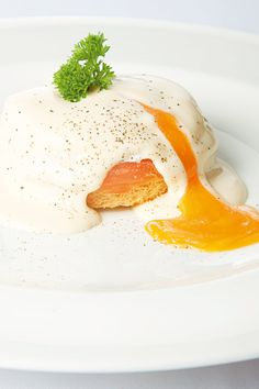 La versatilidad del salmón. Aquí, con huevos benedictinos. © Cortesía de Samantha de España.