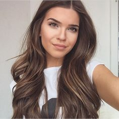 Hair color Balayage of course - New Hair Cut Hair Day, New Hair, Brown Hair Colors, Pretty Brown Hair, Balayage Hair, Balayage Color, Subtle Balayage Brunette, Brunette Hair Colour, Bridal Hair