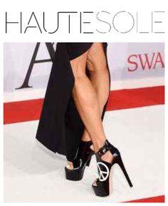 CFDA AWARDS RUTHIE DAVIS ✨✨✨✨✨✨✨✨✨✨✨✨✨✨✨✨ #RUTHIEDAVIS  #CFDAAWARDS #CFDA #HAUTESOLEMAGAZINE #HAUTESOLE #Fashion #Footwear #Shoes #style #stylish #sneakers #design #Stylist #instagood #repost #designer #Fashiondesigner #FashionStylist #WardrobeStylist #CelebrityWardrobeStylist #Fashionista #StreetStyle #FashionWeek #PFW #NYFW #luxury #fashionista #fashionblogger