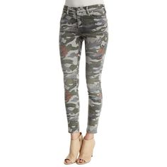 True Religion Halle Mid-Rise Super-Skinny Jeans featuring polyvore, women's fashion, clothing, jeans, camo floral, mid-rise jeans, floral skinny jeans, camouflage skinny jeans, cropped jeans and mid rise skinny jeans