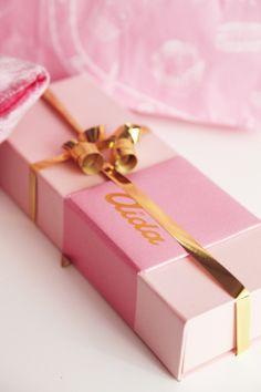 DYROGUE I www.dianarogo.ro Aida Pink & Gold Desert Box
