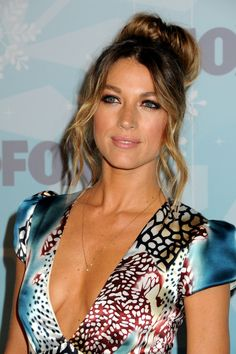 Natalie Zea aka Karen Darling... the dress, hair and makeup are amaze but the hair is a must try!