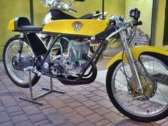 Maico 50 Road Racer Bike, Cafe Racer, 250cc Motorcycle, Racing Motorcycles, Classic Road Bike, Classic Bikes, Custom Moped, Custom Bikes, Vintage Bikes