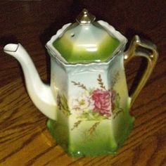 Beautiful Tea Pot No Markings Does anyone know the maker ??? - China and Dinnerware