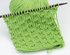 Risultati immagini per ponto de trico chains paternn Knitting Help, Knitting Videos, Knitting Stitches, Knitting Patterns, Crochet Patterns, Knitted Dolls, Knitted Hats, Knit Crochet, Crochet Hats
