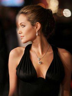 Angelina: Timeless beauty