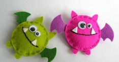 Felt Crafts, Fabric Crafts, Sewing Crafts, Sewing Projects, Halloween Ornaments, Felt Ornaments, Halloween Crafts, Halloween Felt, Felt Keychain