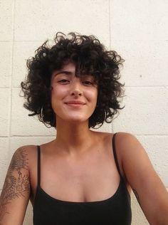 Curly Hair With Bangs, Curly Hair Cuts, Cut My Hair, Wavy Hair, Short Hair Cuts, Curly Hair Styles, Natural Hair Styles, Short Permed Hair, Short Curls