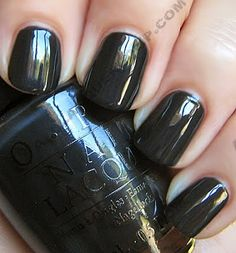 OPI Spain Swatches : Suzi Skis in the Pyrenees