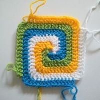 Square spiral crochet block - great for one side of a potholder!