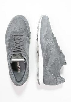 Pedir  Reebok Classic CLASSIC LEATHER SHMR - Zapatillas - alloy/white/pewter por 58,45 € (1/09/17) en Zalando.es, con gastos de envío gratuitos. Reebok, Classic Leather, Pewter, Sneakers, Shoes, Fashion, Leather, Winter, Tin